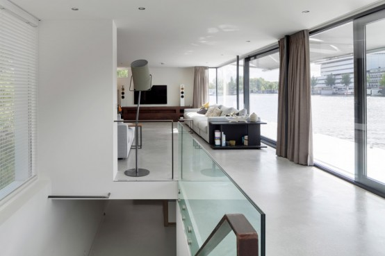 Floating Water Villa In Amstel House
