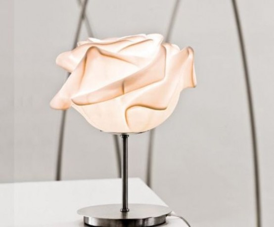 a blush flower-shaped table lamp is a very beautiful and romantic piece to finish off your interior