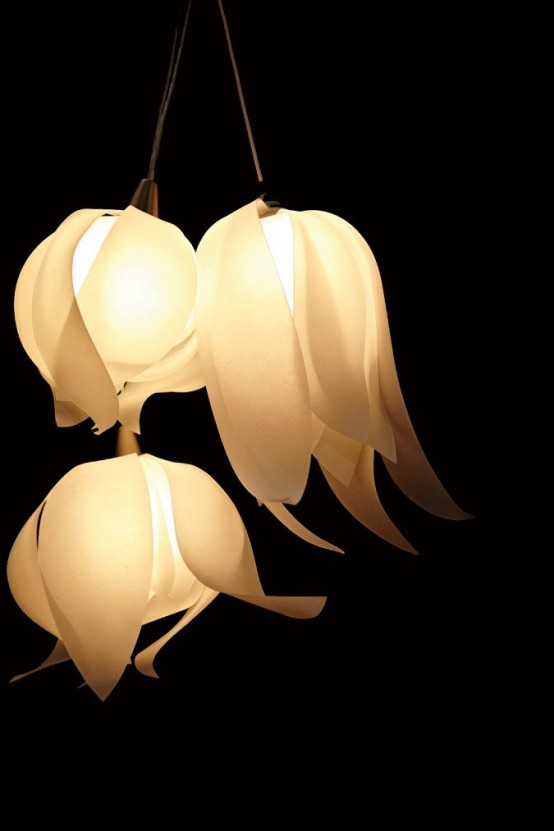 white very natural looking flower-shaped pendant lamps are very cool to light up your space a lot