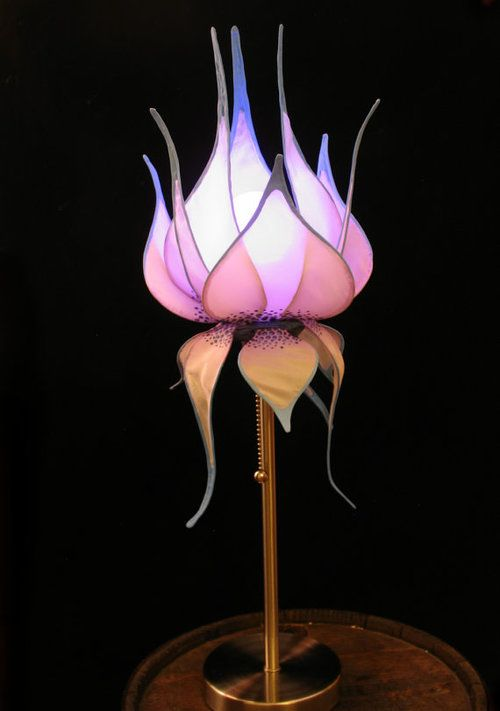 Beautiful Flower Inspired Lamps Digsdigs