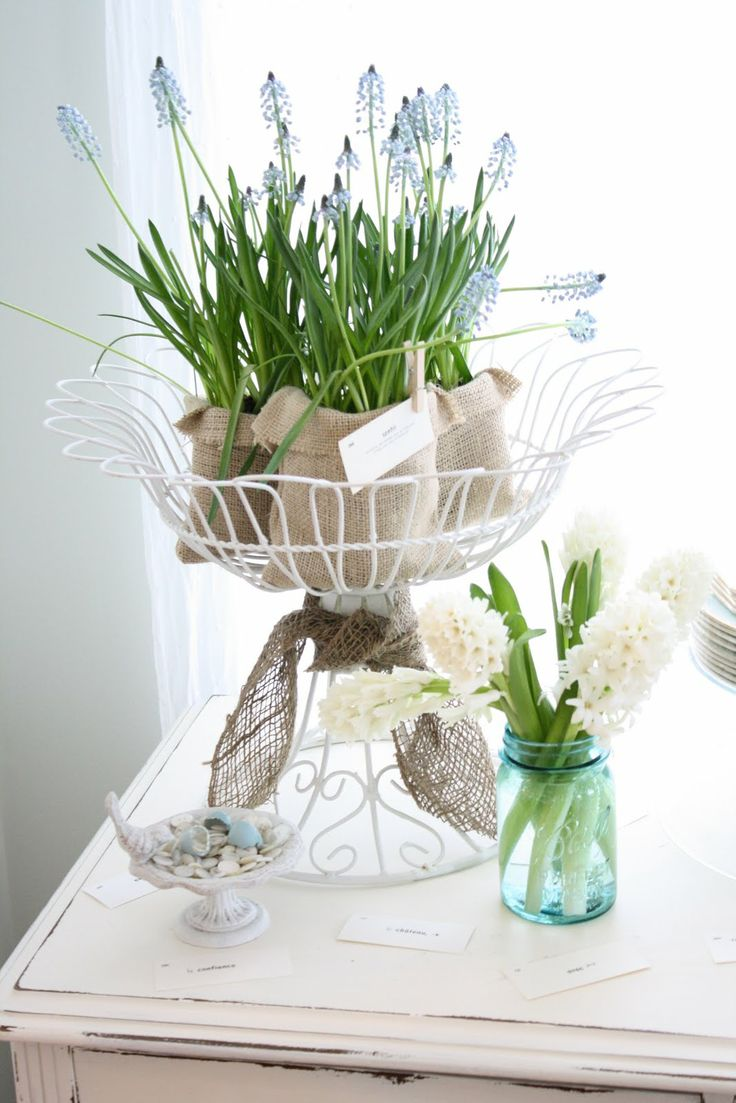 47 flower arrangements for spring home d cor digsdigs for Home decor centerpieces