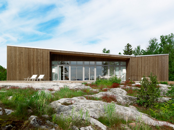 Scandinavian One Storey House With Asymmetrical Roof