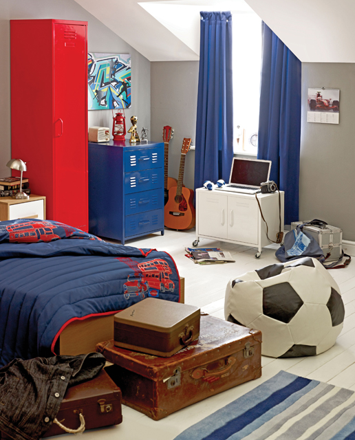 Teenagers usually have many passions but you can mix them up to make room's decor truly personal.