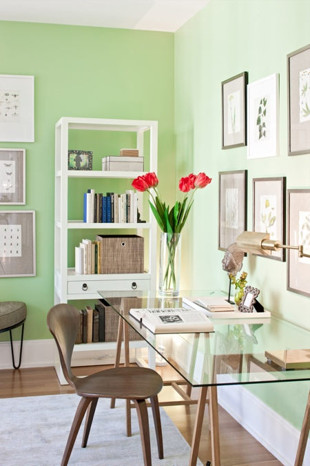 25 home office d cor ideas to bring spring to your workspace digsdigs Home office design color ideas
