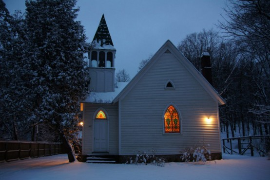 Front Of Church In Snow At Dusk Web1 960x