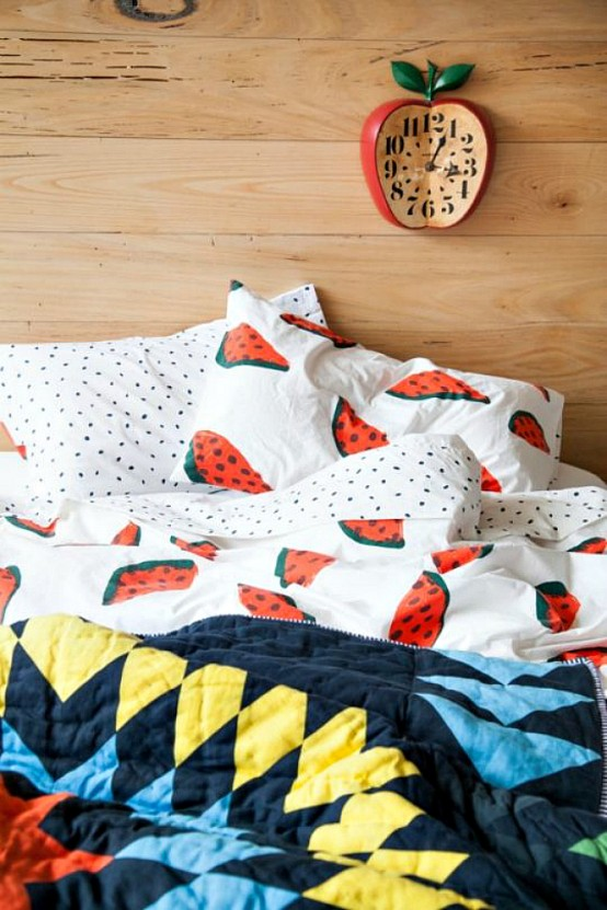 Feel The Summer: 26 Fruit Print Ideas In Home Décor