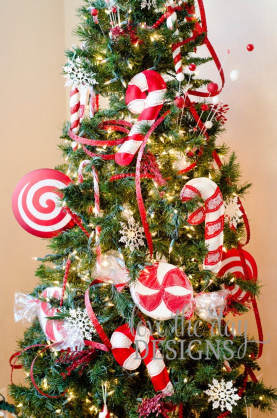 outlet store e22c7 f2306 25 Fun Candy Cane Christmas Décor Ideas For Your Home - DigsDigs