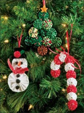 cool and fun fabric Christmas ornaments – a snowman, a Christmas tree and a candy cane cna be DIYed and will be amazing for your tree