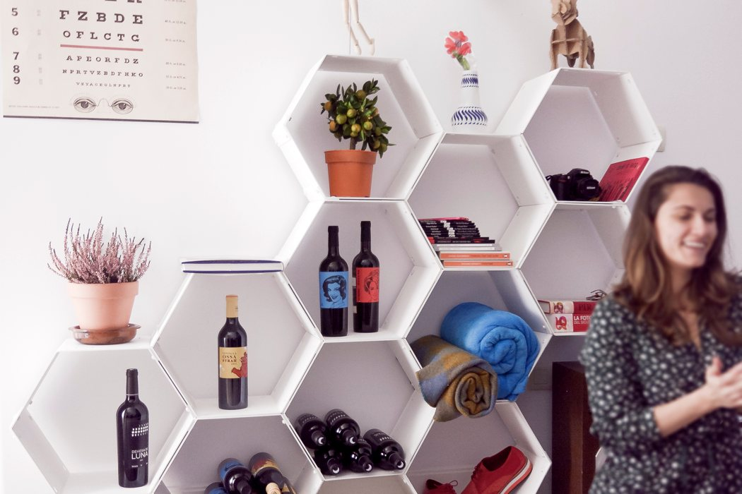 Picture Of functional and adaptable graphite modular shelving  6