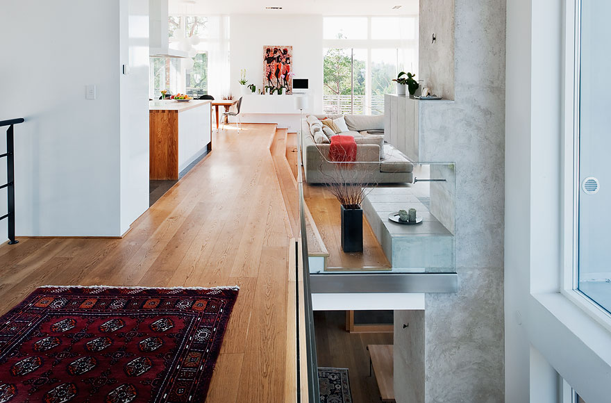 Functional Minimalist House For Large Family