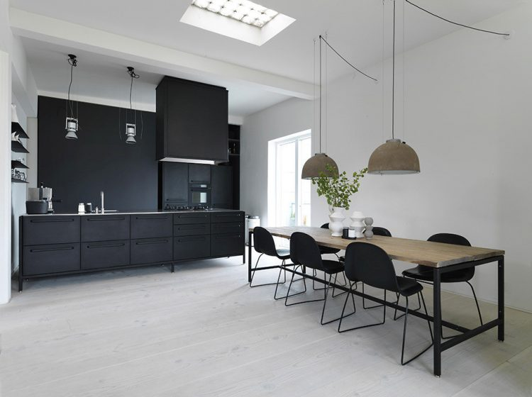 Functional scandinavian loft of a famous architect digsdigs for Famous scandinavian furniture designers