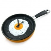Funny Fried Omelette Clock For Your Kitchen