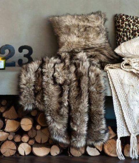 A Warm Rug Some Fall Primping Home Decor: 39 Cozy Fur Home Décor Ideas For Cold Seasons