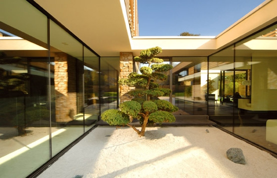 Austrian House Design With Attractive Japanese Style
