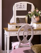 Girlish Pink And Chocolate Bedroom
