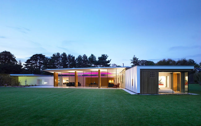 House With Almost Half of the External Walls Made of Glass – Duncan House