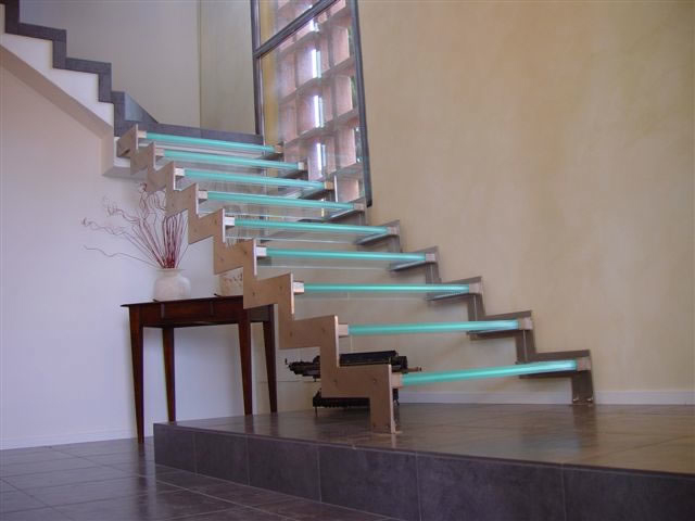 10 The Most Cool Glass Staircase Designs Digsdigs