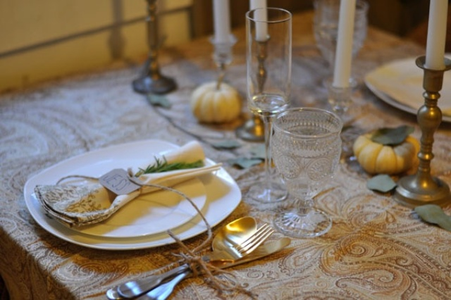 gold and brass cutlery and candleholders will make your wedding tablescape refined, chic and vintage inspired