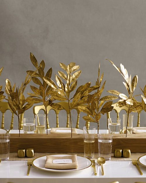 35 gold thanksgiving d cor ideas digsdigs for Gold home decorations