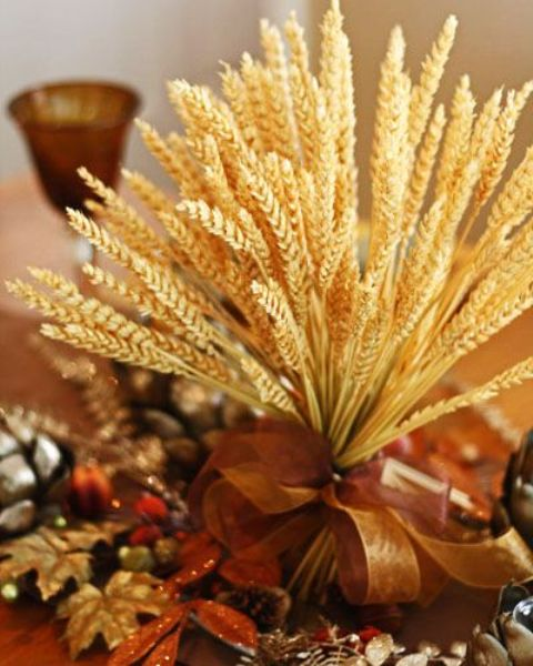 Gold Thanksgiving Decor Ideas