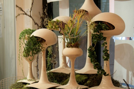 Futuristic Alien-Like Planters – Golly Pods by Tend