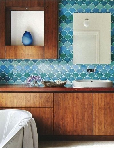 32 gorgeous and eye catching fish scale tiles d cor ideas for Fish scale backsplash