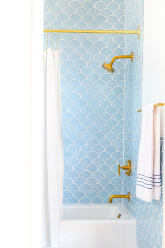 Gorgeous and eye catching fish scale tiles decor ideas 5 554x831
