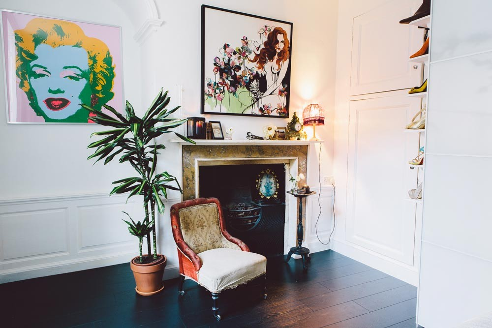 Picture Of gorgeous home full of artwork and vintage finds  13