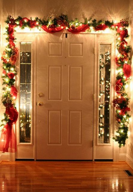 31 Gorgeous Indoor Décor Ideas With Christmas Lights - DigsDigs