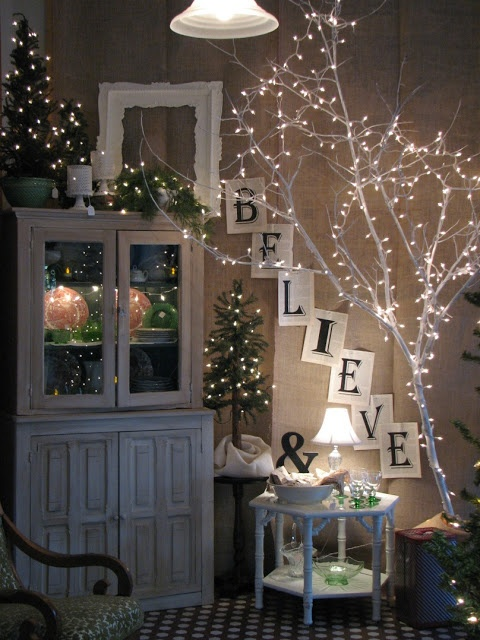31 Gorgeous Indoor Dcor Ideas With Christmas Lights  DigsDigs