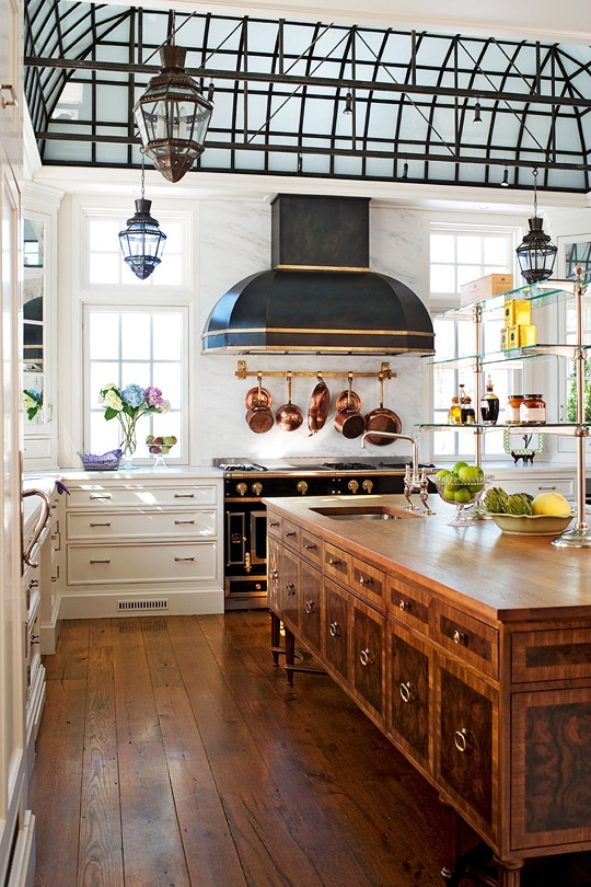 Gorgeous Traditional Kitchen In 18th Century Style