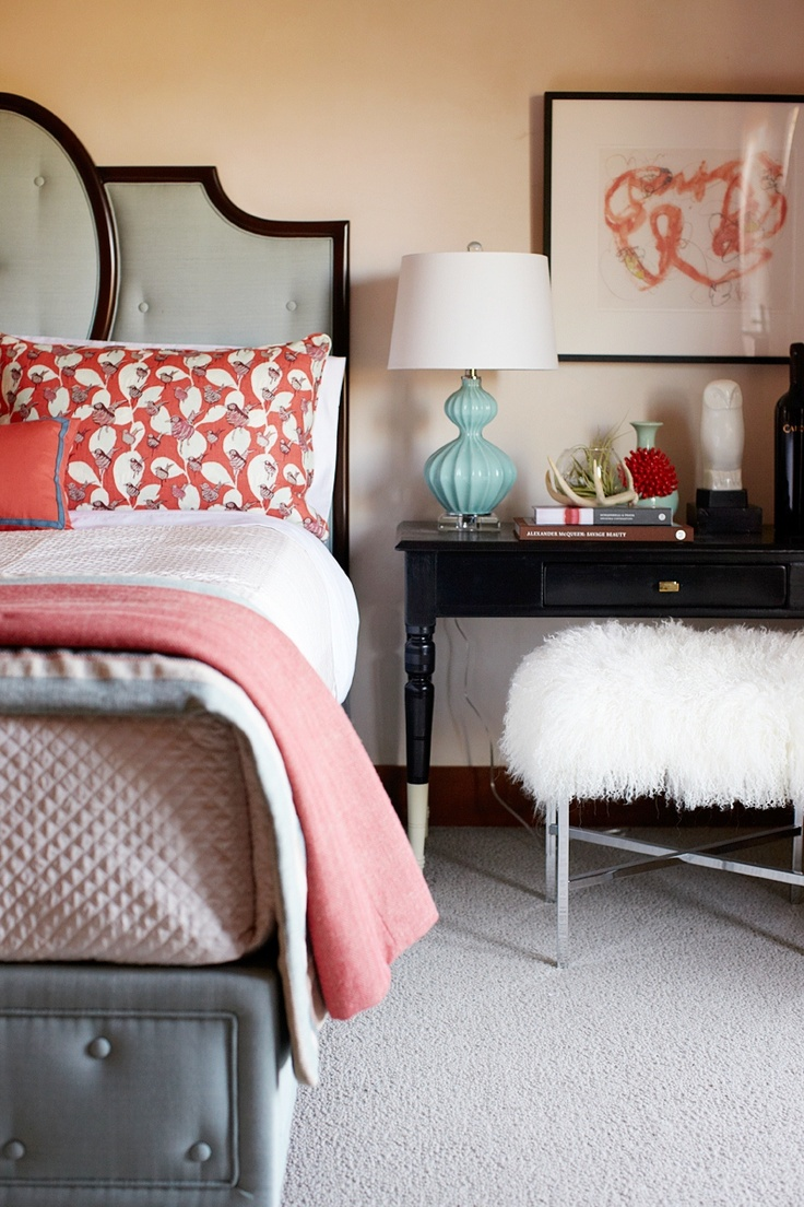 30 Grey And Coral Home Décor Ideas | DigsDigs