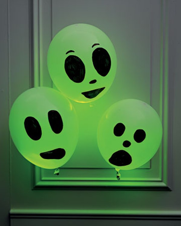 ... entry is part of 23 in the series Awesome Halloween Decoration Ideas