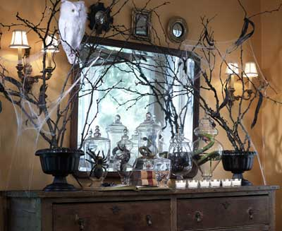 halloween mantel decorating ideas - Halloween Home Decor Ideas