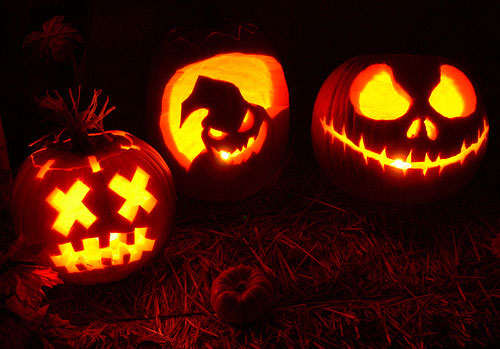 100 Halloween Pumpkin Carving Ideas | DigsDigs