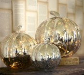 pumpkins of mercury glass are a nice decoration for fall or Thanksgiving, they will last long and will bring a vintage feel to the space