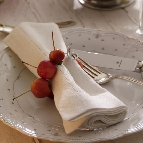 faux cherry napkin rings will add a cute touch to your Thanksgiving tablescape and will make it cool