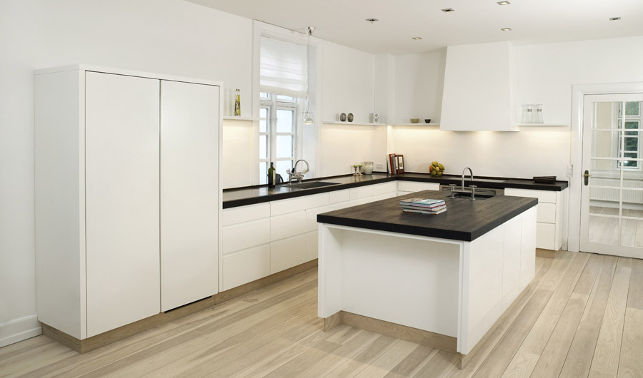 picture of high gloss white with wenge kitchen