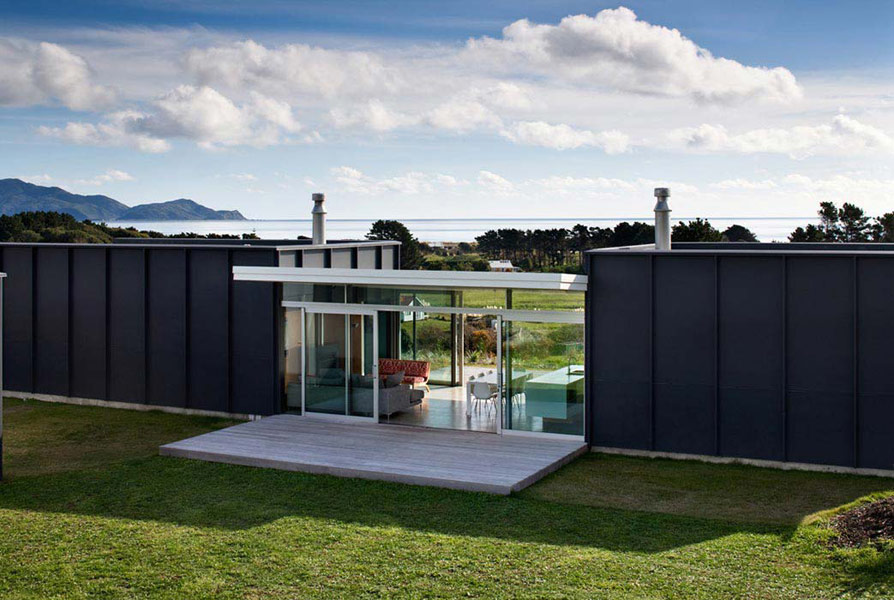 Modular Holiday Home of Both a Strong Architectural Character and Economy