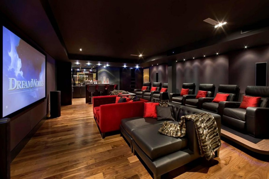 15 cool home theater design ideas digsdigs for Luxury home theater rooms