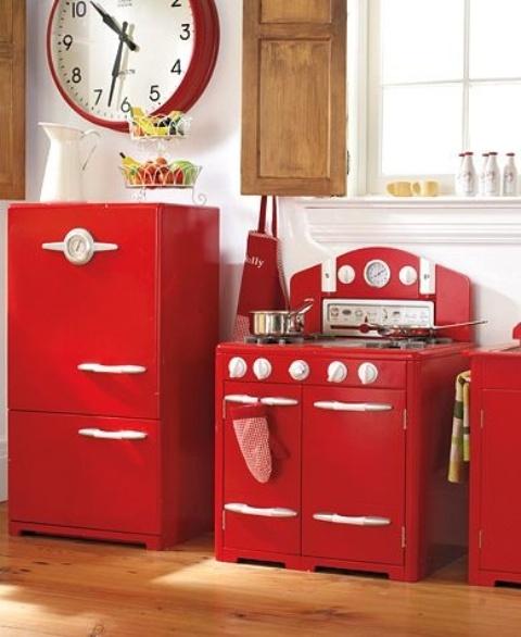 Hot Cranberry Monochromatic Rooms