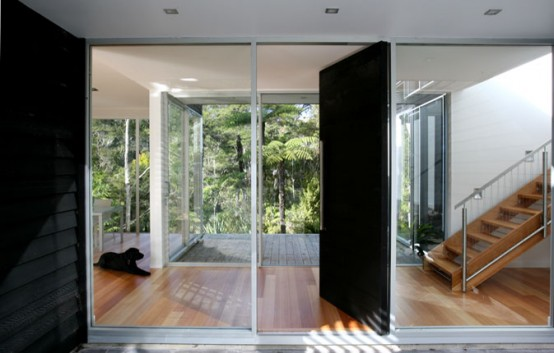 House Designed As Series Of Glass And Timber Pavilions