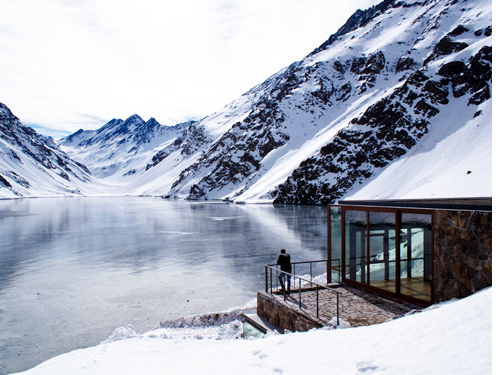 Minimalist House Located at 2990 Meters Above Sea Level and Facing a Lake