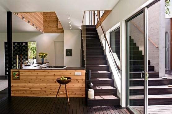 House On Restrictive Narrow Lot