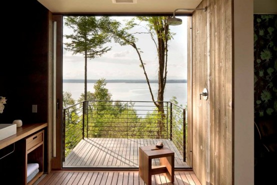 House On The Lake With Modern Architecture