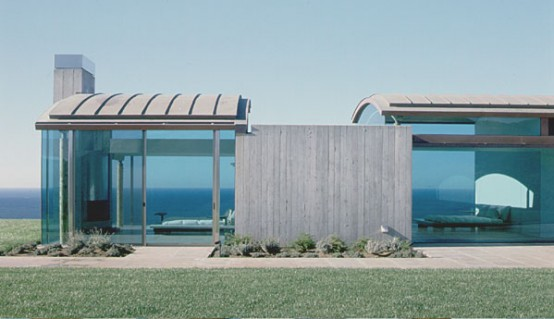 House With Almost Invisible Structure