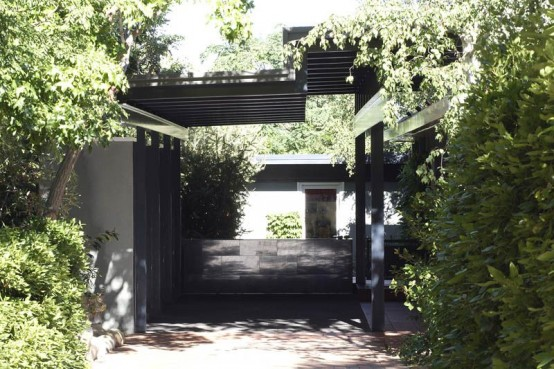 House With Beautiful Entrance