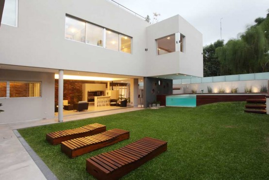 House With Fantastic Pool