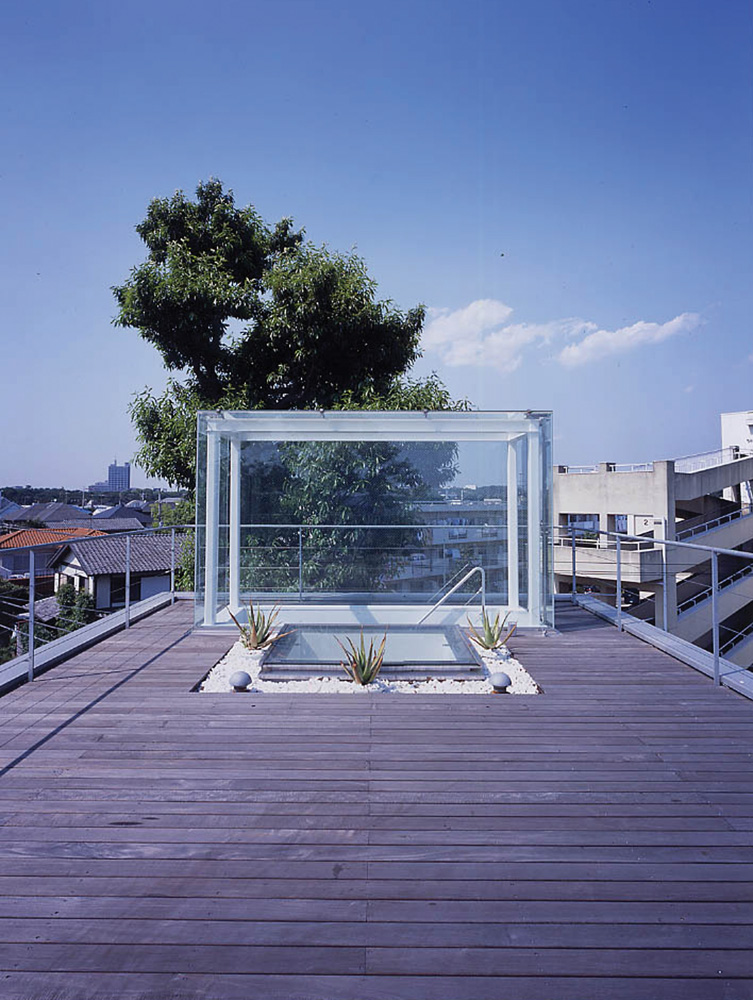 5 Homes That Prove That Less Is More: House Without Walls By Tezuka Architects