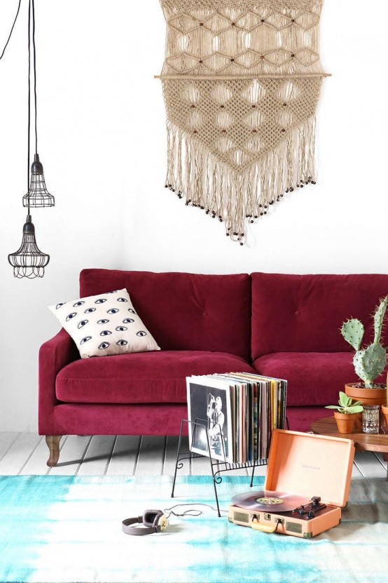 26 Ideas To Accentuate Your Living Room With Marsala
